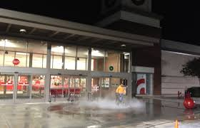 shopping center cleaning